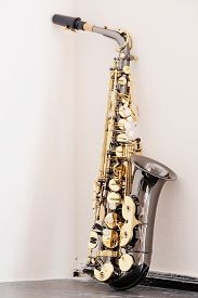 pic of wind instrument  - classical music wind instrument saxophone - JPG