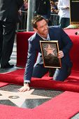 LOS ANGELES - DEC 13:  Hugh Jackman at the Hollywood Walk of Fame ceremony for Hugh Jackman on Decem