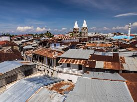 picture of mosk  - Wide angle view of the architecture and typical roofs in Stone Town - JPG