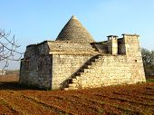 The Hybrid Storage Trullo