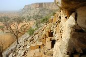 foto of dogon  - Looking along and down from the Bandiagara cliff to Dogon and Tellem buildings and surrounds - JPG