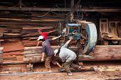 woodworker pull cumbersome machine