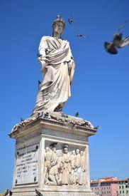 image of leopold  - The statue of Grand Duke Leopold II on Piazza della Republica in Livorno - JPG