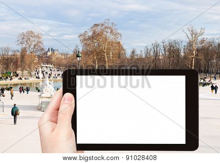 Tourist Photographs Of Tuileries Garden