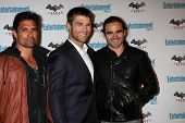 LOS ANGELES - JUL 23:  Manu Bennett, Liam McIntyre, Dustin Clare arriving at the EW Comic-con Party