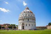 Battistero Pisa, Piazza Del Duomo