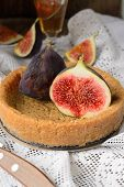 tart or pie with figs and honey