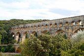 Acueducto de Pont Du Gard, Vers-pont-du-gard en sur de Francia.