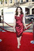 LOS ANGELES - 27 de junio: Maria Canals-Barrera llega a la Premiere de Universal Pictures ' Larry Cr