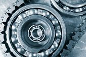 ball-bearings driven by timing chain