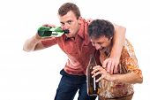 Hombres borrachos