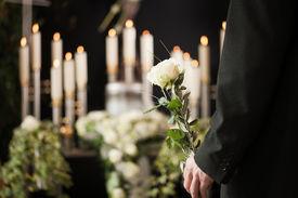 foto of urn funeral  - Religion - JPG