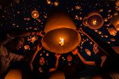 Thai People Floating Lamp