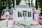 pic of ombres  - Dessert table for a party - JPG