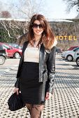 picture of beautiful brunette woman  - Luxury Young Woman with sunglasses - JPG