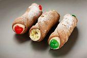 Постер, плакат: канноли канноли итальянская кухня сицилийские кондитерские десерт