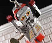 robot de juguete en portátil