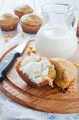 Double corn muffins