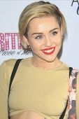 LAS VEGAS - DEC 27: Miley Cyrus at the premiere of