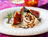 figs with ricotta,honey and balsamic