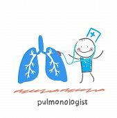pulmonologist listens to body lungs