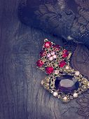 pic of brooch  - vintage brooches - JPG