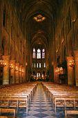 Notre Dame de Paris interior nav