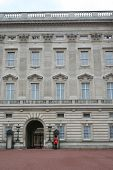 foto of beefeater  - guards outside Buckingham Palace - JPG