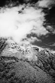 picture of mount rushmore national memorial  - Black and white Mount Rushmore National Memorial - JPG