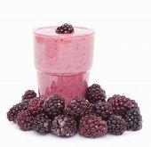 Cocktail Of Frozen Blackberries   With Yogurt .