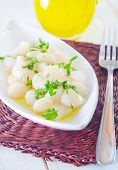 foto of scallops  - scallop on plate and on a table - JPG