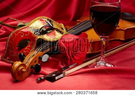 Violin fiddle theater mask glass