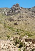 image of stagecoach  - Tejas Canyon cliffs - JPG