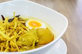 Thai Crispy Noodle Curry Soup With Chicken(khao soi)
