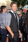 LOS ANGELES - JUN 09:  Kellan Lutz arrives to the