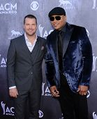 LOS ANGELES - APR 06:  Chris O'Donnell & LL Cool J arrives to the 49th Annual Academy of Country Music Awards   on April 06, 2014 in Las Vegas, NV.