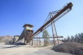 Rock Crusher Machine Industry Chain Moving To Logistic Gravel Use For Construction Matterial And Pol