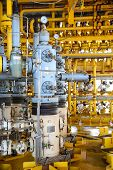 picture of offshoring  - Oil and gas production slot on the platform - JPG