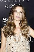 LOS ANGELES - JAN 19: Kate Beckinsale op de première van Screen Gems ' Underworld: Awakening' op Gra