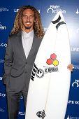 LOS ANGELES - 11 de NOV: Rob Machado chega 9 anual noite pela vida rola na Fundação a