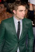 LOS ANGELES, CA - NOVEMBER 12: Actor Robert Pattinson arrives at the premiere of The Twilight Saga: Breaking Dawn - Part 2 at the Nokia Theater in Los Angeles, CA on November 12, 2012