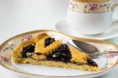blueberry pie on the saucer