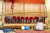 picture of loom  - Traditional loom - JPG