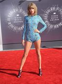 LOS ANGELES - AUG 24:  Taylor Swift arrives to the 2014 Mtv Vidoe Music Awards on August 24, 2014 in Los Angeles, CA
