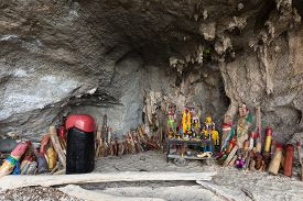picture of phallus  - Religious phallus symbols offerings in the cave of the Princess Pranang - JPG