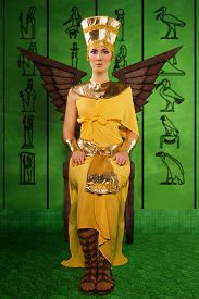 foto of pharaohs  - Portrait of beautiful egyptian woman in costume of the Pharaoh - JPG