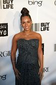 NEW YORK - SEPTEMBER 30: Singer Alicia Keys attends the Keep A Child Alive's Black Ball at the Hamme