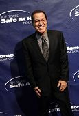 NEW YORK - NOV 11: Joe Piscopo attends the 8th Annual Joe Torre Safe at Home Foundation Gala at Pier
