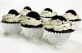 Jumbo Vegan Cookies N Cream Cupcakes