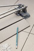 Tiles Cutting Works With Pre-laying Porcelain